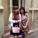 Shokotan et Suzuka devant les locaux de Nolife !